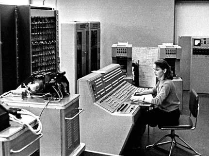 ilk-bilgisayarlari-gorunce-sasiracaksiniz_f412
